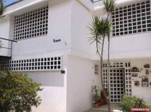 Casa En Venta En Caracas, El Marques, Venezuela, VE RAH: 15-12273