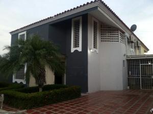 Casa En Venta En Coro, Parcelamiento Santa Ana, Venezuela, VE RAH: 15-12229