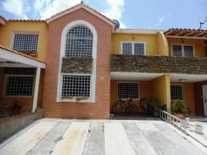 Townhouse En Venta En Municipio San Diego, Monteserino, Venezuela, VE RAH: 15-12420