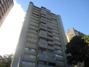 Apartamento En Venta En Caracas, Lomas De Prados Del Este, Venezuela, VE RAH: 15-12439