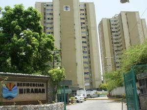 Apartamento En Venta En Margarita, Porlamar, Venezuela, VE RAH: 15-12463