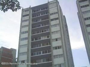 Apartamento En Venta En Caracas, Terrazas Del Club Hipico, Venezuela, VE RAH: 15-12472