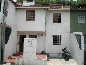 Casa En Venta En Los Teques, San Homero, Venezuela, VE RAH: 15-12526