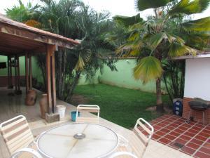 Casa En Venta En Valencia, Trigal Norte, Venezuela, VE RAH: 15-12752