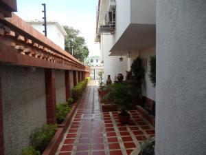 Casa En Venta En Maracaibo, La Lago, Venezuela, VE RAH: 15-12833