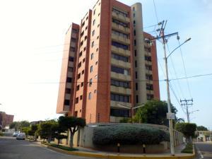Apartamento En Venta En Maracaibo, Avenida Bella Vista, Venezuela, VE RAH: 15-12853