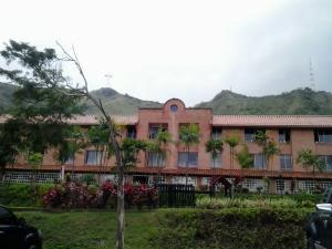 Apartamento En Venta En Valencia, Trigal Norte, Venezuela, VE RAH: 15-12892