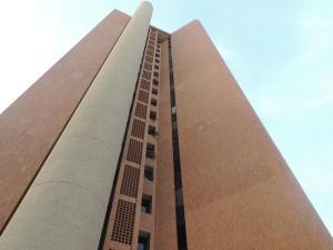 Apartamento En Venta En Maracaibo, La Lago, Venezuela, VE RAH: 15-12931