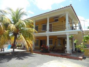 Casa En Venta En Boca De Uchire, Marylago, Venezuela, VE RAH: 15-12933