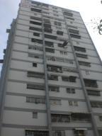 Apartamento En Venta En Caracas, Caricuao, Venezuela, VE RAH: 15-13136