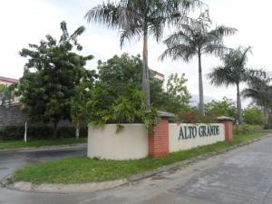 Apartamento En Venta En Guatire, Alto Grande, Venezuela, VE RAH: 15-13204