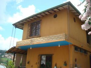 Casa En Venta En Caracas, Los Robles, Venezuela, VE RAH: 15-13210