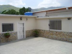 Casa En Venta En Maracay, El Castaño, Venezuela, VE RAH: 15-13223