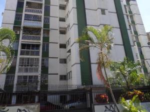 Apartamento En Venta En Caracas - La Trinidad Código FLEX: 15-13239 No.0