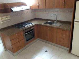 Apartamento En Venta En Caracas - La Trinidad Código FLEX: 15-13239 No.4
