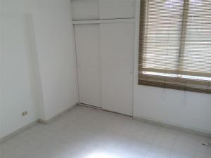 Apartamento En Venta En Caracas - La Trinidad Código FLEX: 15-13239 No.6