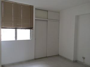 Apartamento En Venta En Caracas - La Trinidad Código FLEX: 15-13239 No.7