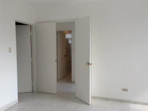 Apartamento En Venta En Caracas - La Trinidad Código FLEX: 15-13239 No.14