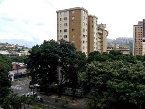 Apartamento En Venta En Caracas - La Trinidad Código FLEX: 15-13239 No.15