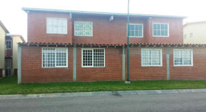 Apartamento En Venta En Higuerote, Conjunto Residencial Costa Grande Ii, Venezuela, VE RAH: 15-13502