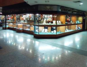 Local Comercial En Venta En Guatire, Buenaventura, Venezuela, VE RAH: 15-13310