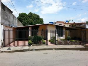Casa En Venta En Maracay, La Coromoto, Venezuela, VE RAH: 15-13321
