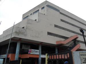 Apartamento En Venta En Municipio Naguanagua, Los Guayabitos, Venezuela, VE RAH: 15-13350