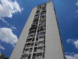 Apartamento En Venta En Caracas, San Martin, Venezuela, VE RAH: 15-13375