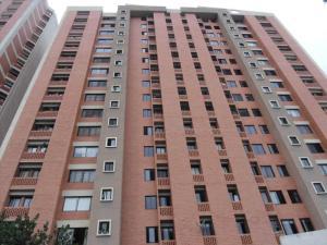 Apartamento En Venta En Valencia, Los Mangos, Venezuela, VE RAH: 15-13374