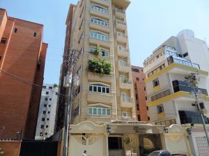 Apartamento En Venta En Maracay, El Bosque, Venezuela, VE RAH: 15-13378