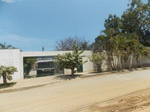 Casa En Venta En Parroquia Caraballeda, Caribe, Venezuela, VE RAH: 15-13157