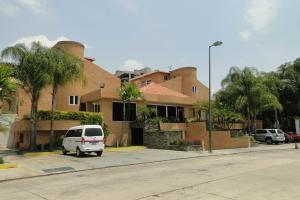 Townhouse En Venta En Valencia, Guataparo, Venezuela, VE RAH: 15-13532