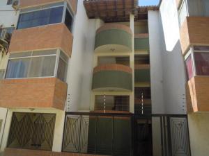 Apartamento En Venta En Punto Fijo, Zarabon, Venezuela, VE RAH: 15-13568