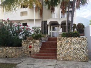 Apartamento En Ventaen Parroquia Caraballeda, Tanaguarena, Venezuela, VE RAH: 15-14565