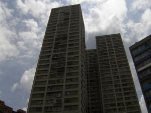 Apartamento En Venta En Caracas, Parque Carabobo, Venezuela, VE RAH: 15-13698