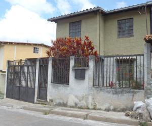 Casa En Venta En Los Teques, San Homero, Venezuela, VE RAH: 15-13676