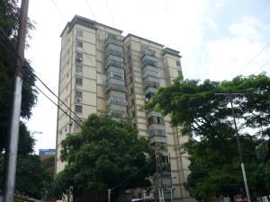 Apartamento En Venta En Valencia, Las Acacias, Venezuela, VE RAH: 15-13870