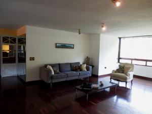 En Venta En Caracas - Las Esmeraldas Código FLEX: 15-13804 No.6