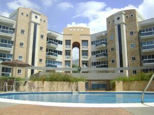 Apartamento En Venta En Maracay, Las Delicias, Venezuela, VE RAH: 15-13786