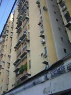 Apartamento En Venta En Maracay, Urbanizacion El Centro, Venezuela, VE RAH: 15-13807