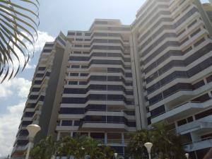 Apartamento En Venta En Parroquia Caraballeda, La Llanada, Venezuela, VE RAH: 15-13855