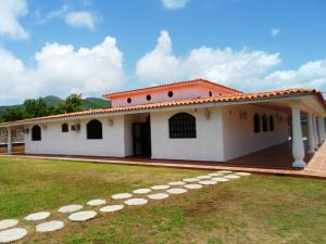 Casa En Venta En Municipio Gomez Santa Ana, El Valle De Pedro González, Venezuela, VE RAH: 15-13856
