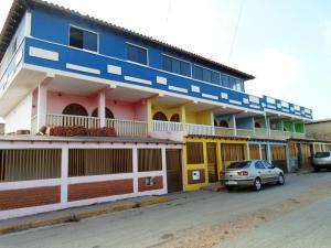 Townhouse En Venta En Municipio Marcano Juan Griego, Juangriego, Venezuela, VE RAH: 15-13910