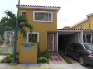 Townhouse En Venta En Guatire, Vista Dorada, Venezuela, VE RAH: 15-13929