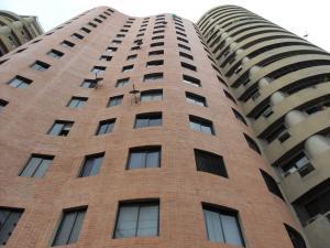 Apartamento En Venta En Valencia, Los Mangos, Venezuela, VE RAH: 15-13975