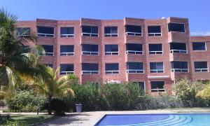 Apartamento En Venta En Higuerote, Carenero, Venezuela, VE RAH: 15-13987
