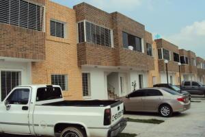 Apartamento En Venta En Municipio San Diego, Pueblo De San Diego, Venezuela, VE RAH: 15-13993