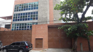 Local Comercial En Ventaen Caracas, Los Dos Caminos, Venezuela, VE RAH: 15-14137
