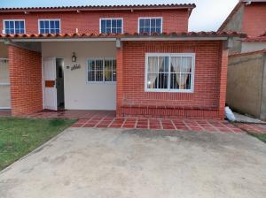 Casa En Venta En Higuerote, Higuerote, Venezuela, VE RAH: 15-14045