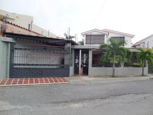Casa En Venta En Maracay, San Jacinto, Venezuela, VE RAH: 15-14069